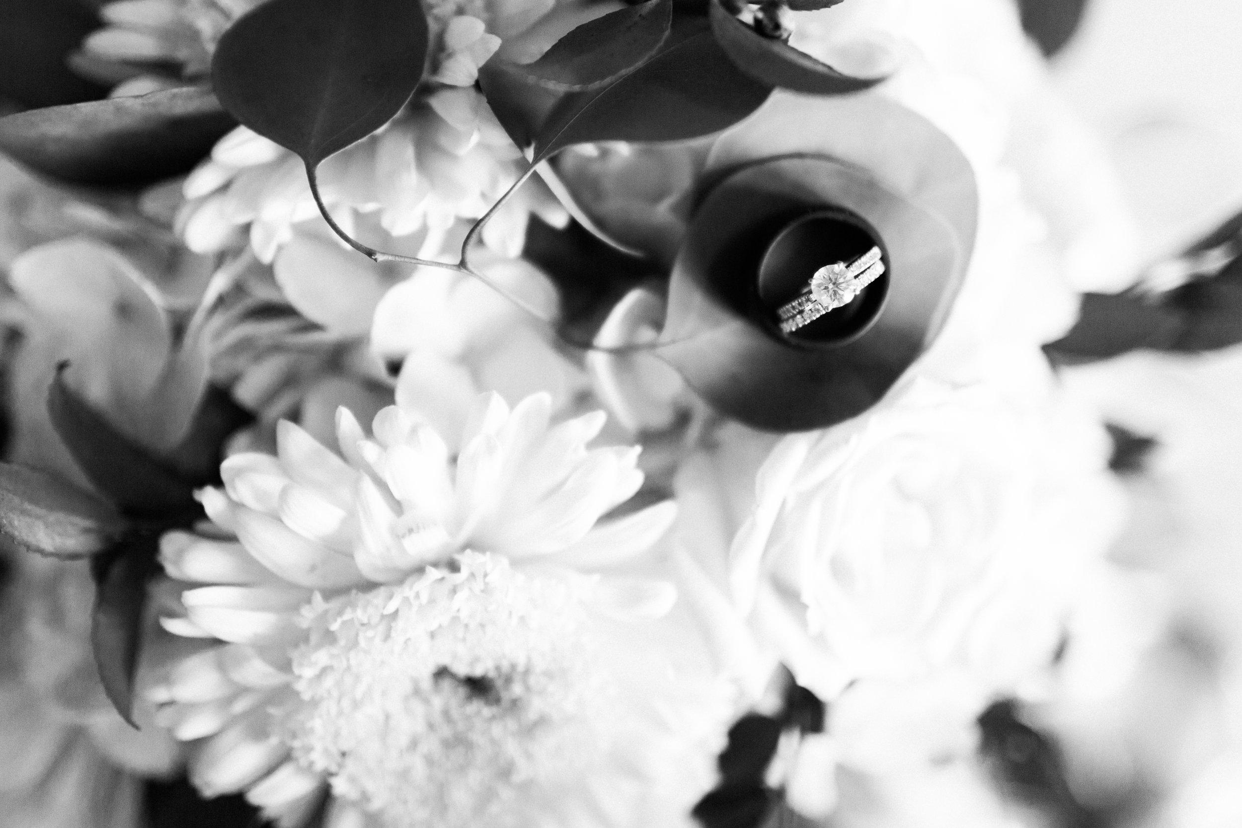 heartfeltcentraliowawedding-18.jpg