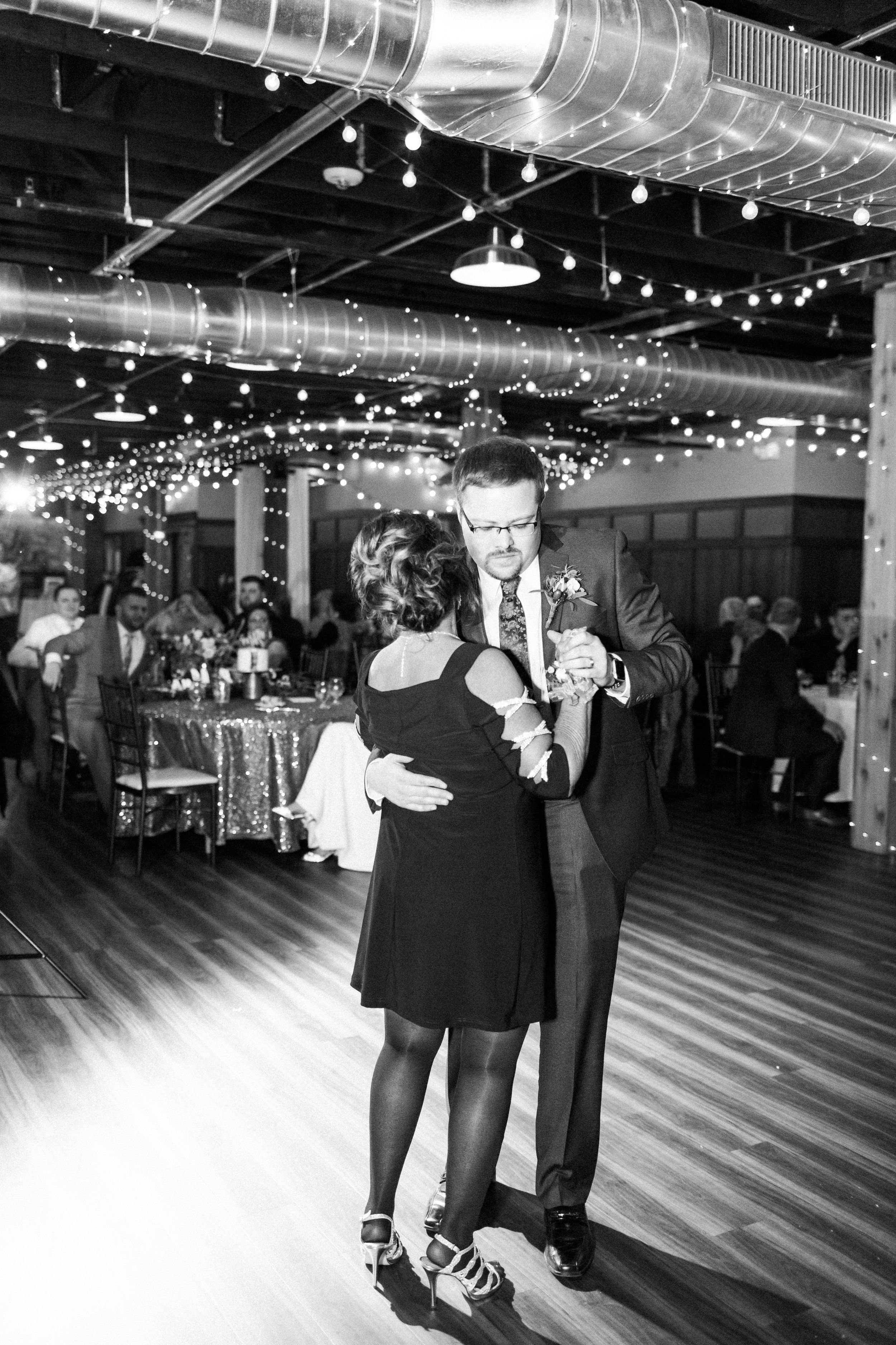 elegantcentraliowawedding-80.jpg