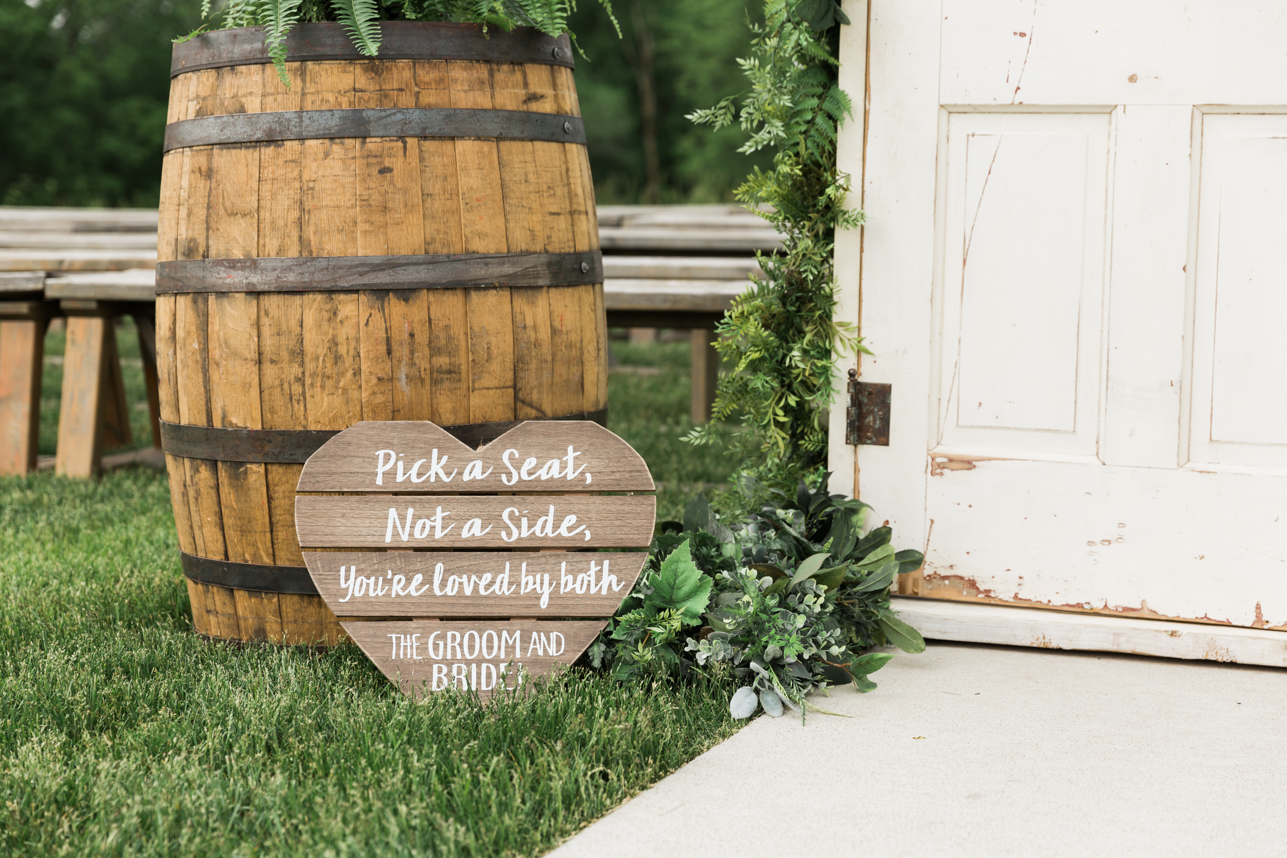 romanticbarnwedding-28.jpg