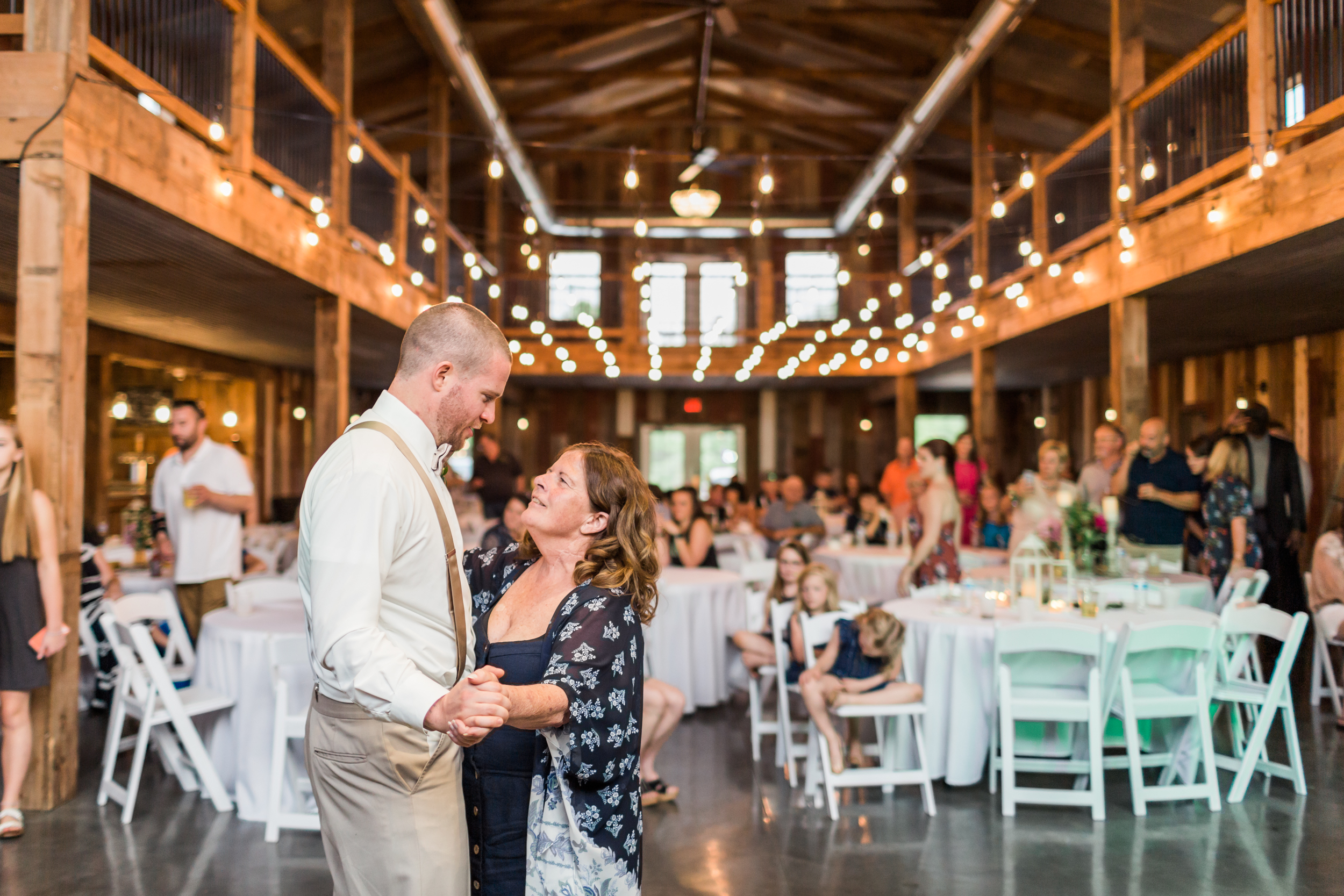 romanticbarnwedding-78.jpg