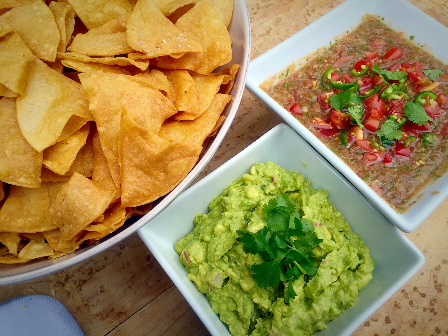 WHIP'S CHIPS GUAC AND SALSA