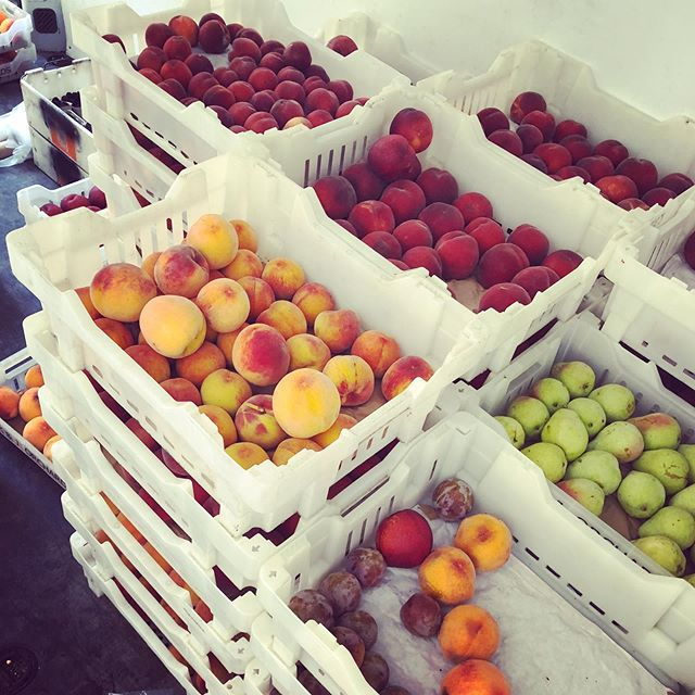 So thankful for everything @kjorchards  does. Our current featured farm this month @Homage in both our locations! If y'all only knew how much #work went into these amazing fruits. Always picked perfectly ripe and available @cuesa 's farmers markets around the #bayarea