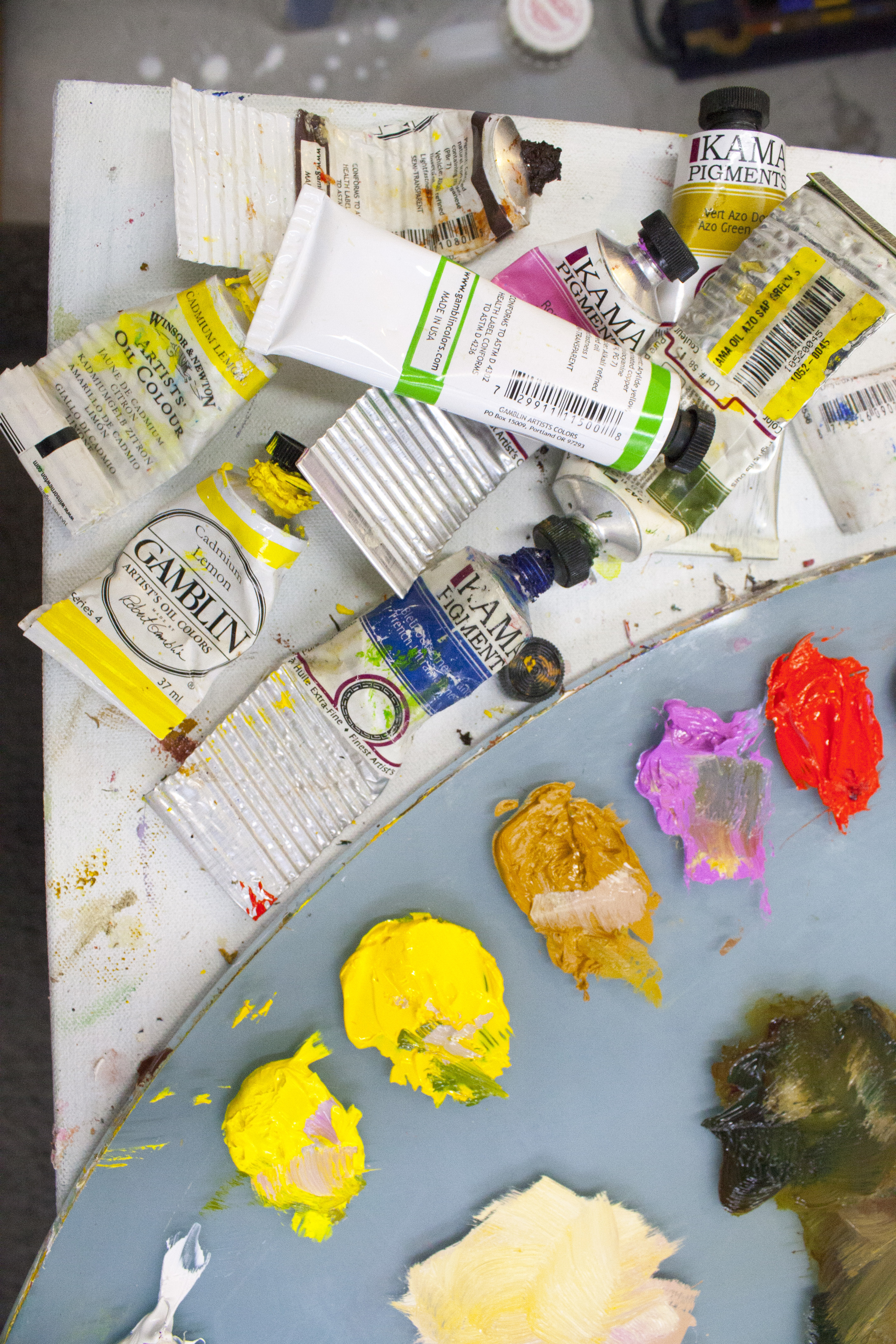 These days Dom favours montreal-based Kama pigments for her paintings.