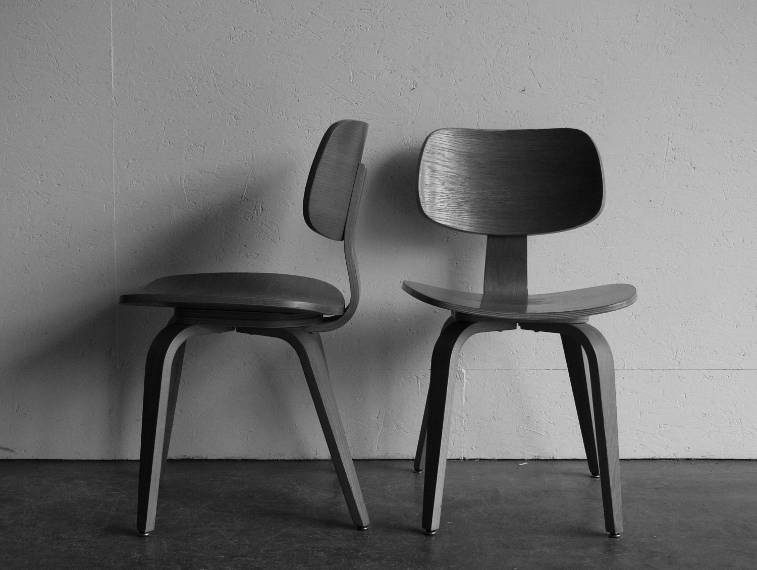 decoration-modern-vintage-chairs-with-on-hold-vintage-mid-century-modern-thonet-plywood-chair-by-comod-24.jpg