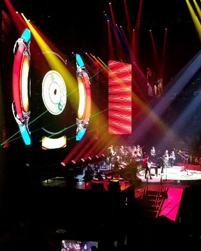 waited almost 40 years to witness this! #electriclightorchestra #jefflyneselo @jefflynneselo #dhaniharrison @dhaniharrison  @chris_hornbrook