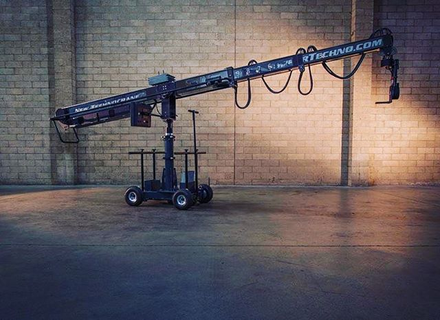 The New Technocrane 22 posing for the camera. . . . . #camera #technocrane #supertechnocrane #dp #dırectorofphotography #gettheshot #producer #onset #setlife #bts #cinema #cinematography #photooftheday #cameraoperator #cameraassistant #hardwork #asc #alexa #production #productionlife #goals #warehouse #filmmaking #movies #crewlife  #goodvibes #instagood #studio