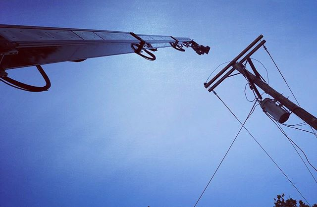 A Technocrane reaching out to touch the sky and get electrified. . . . . #camera #technocrane #supertechnocrane #dp #dırectorofphotography #gettheshot #producer #onset #setlife #bts #cinema #cinematography #photooftheday #cameraoperator #cameraassistant #hardwork #asc #alexa #wanderlust #productionlife #electric #gettingitdone #house #filmmaking #sky #crew #outdoors #goodvibes #instagood