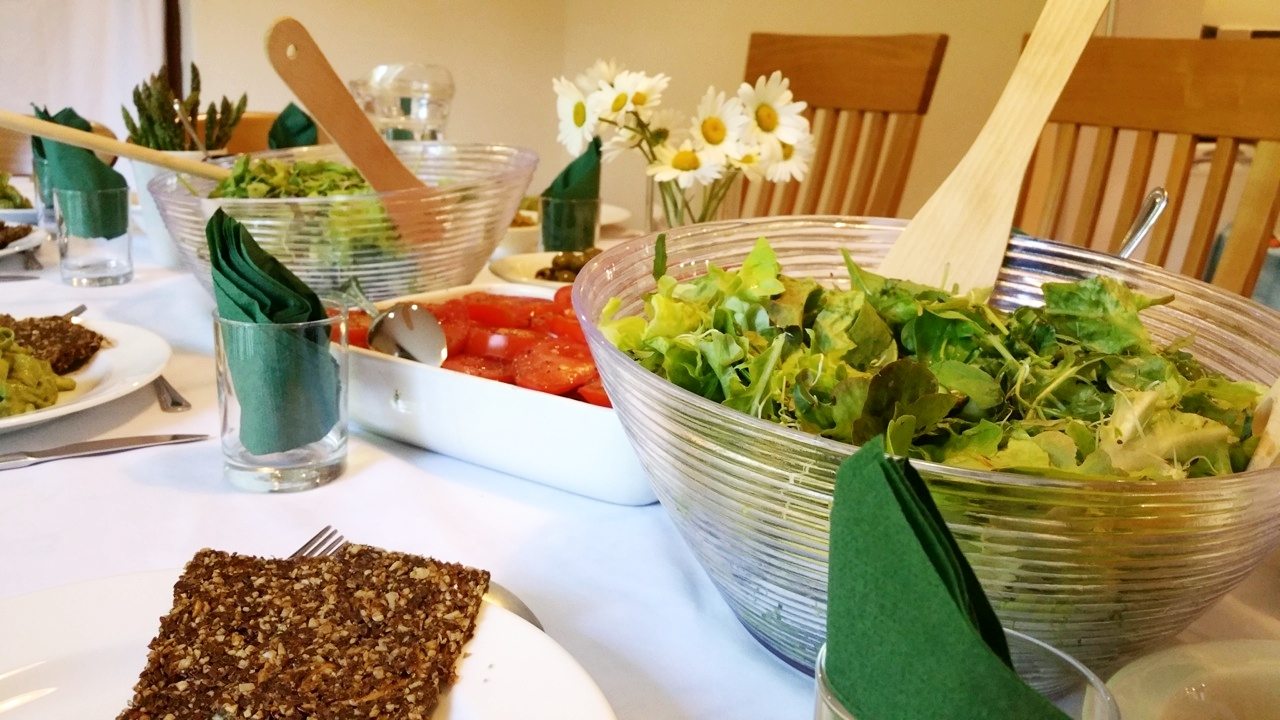 Learn how to feed yourself better at our UK detox retreat