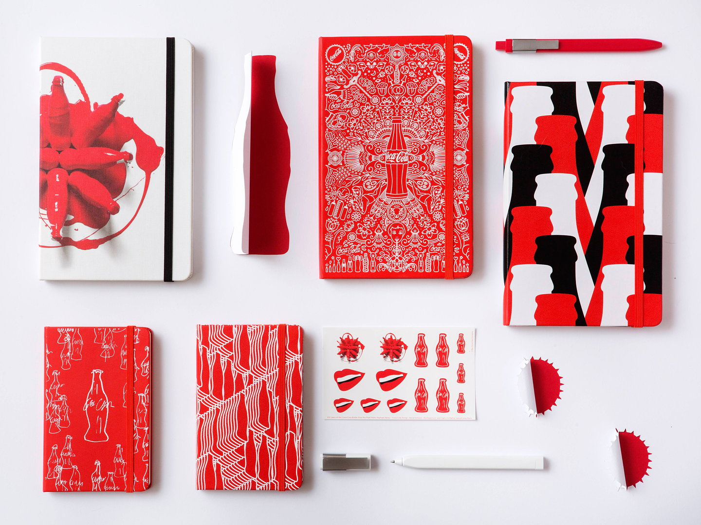 Moleskine_100th_Anniversary_of_Coca_Cola_Bottle_02_gallery.jpg