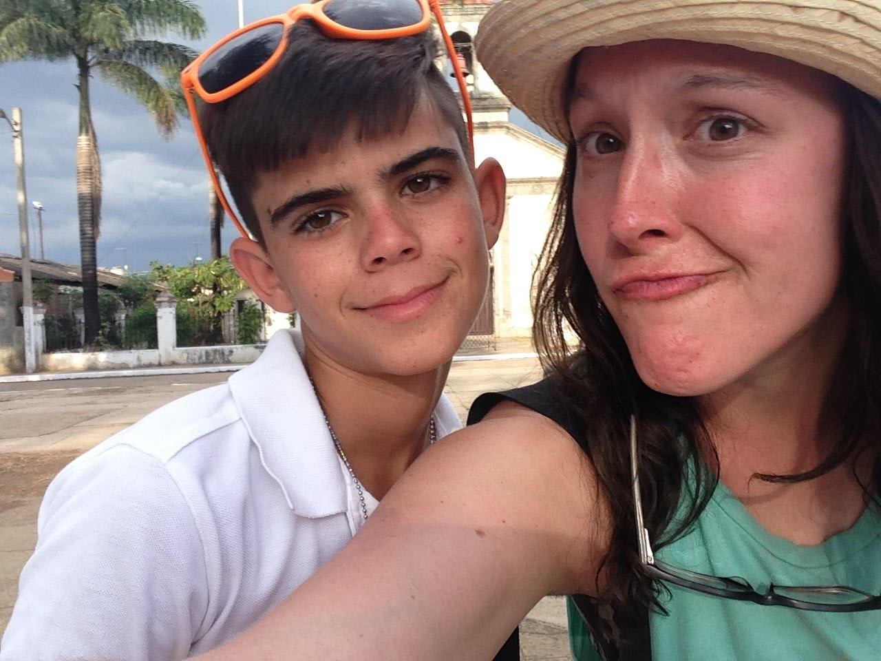 Ashleigh Tatarcyk (R) with a Cuban student