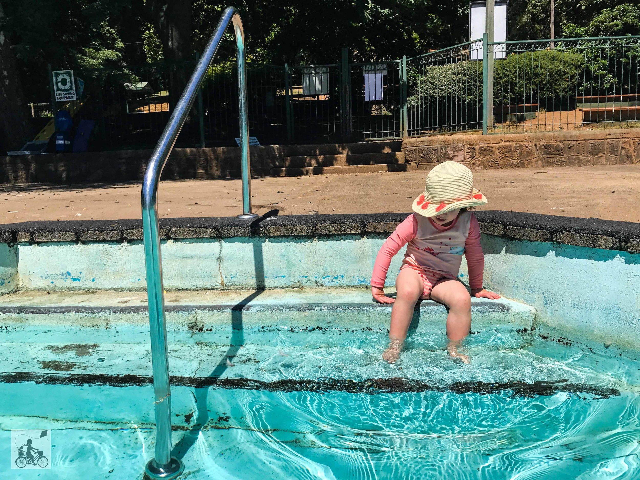 Mamma Knows East - Emerald Lake Pool
