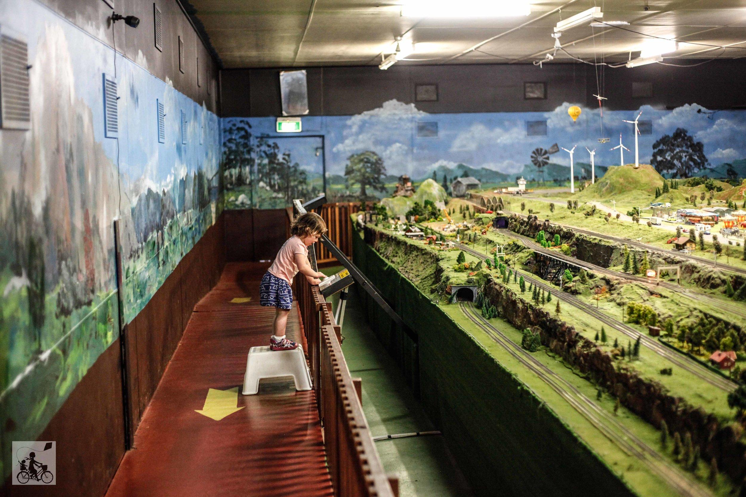 Emerald model railway (29 of 50).jpg