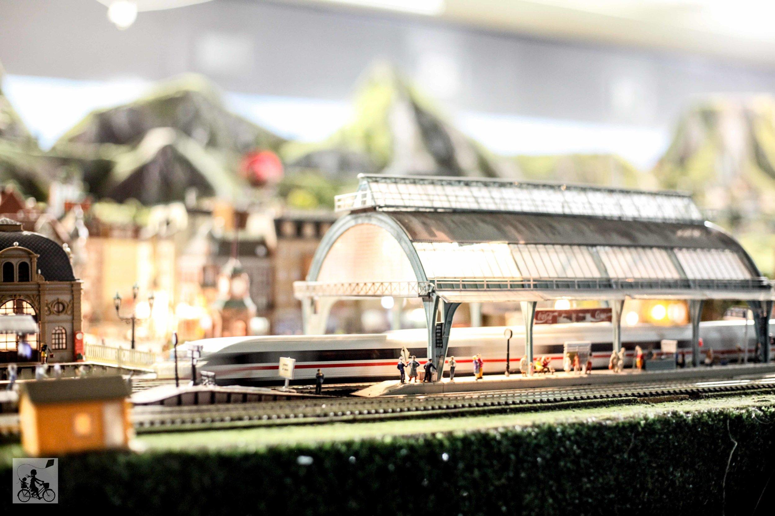 Emerald model railway (47 of 50).jpg