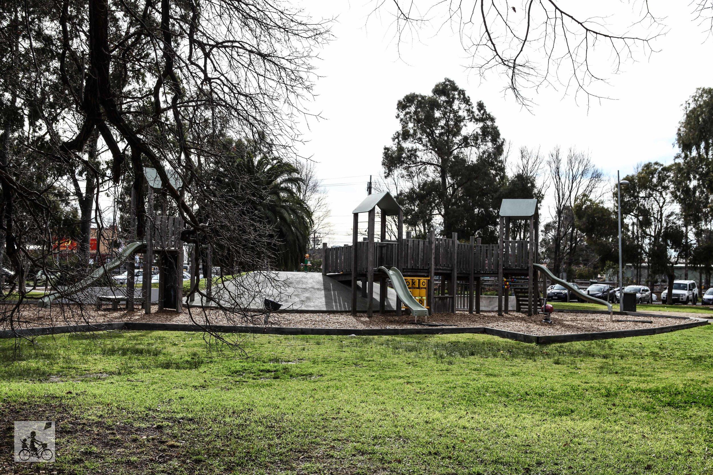 Golden Square Park Burnley (18 of 21).jpg