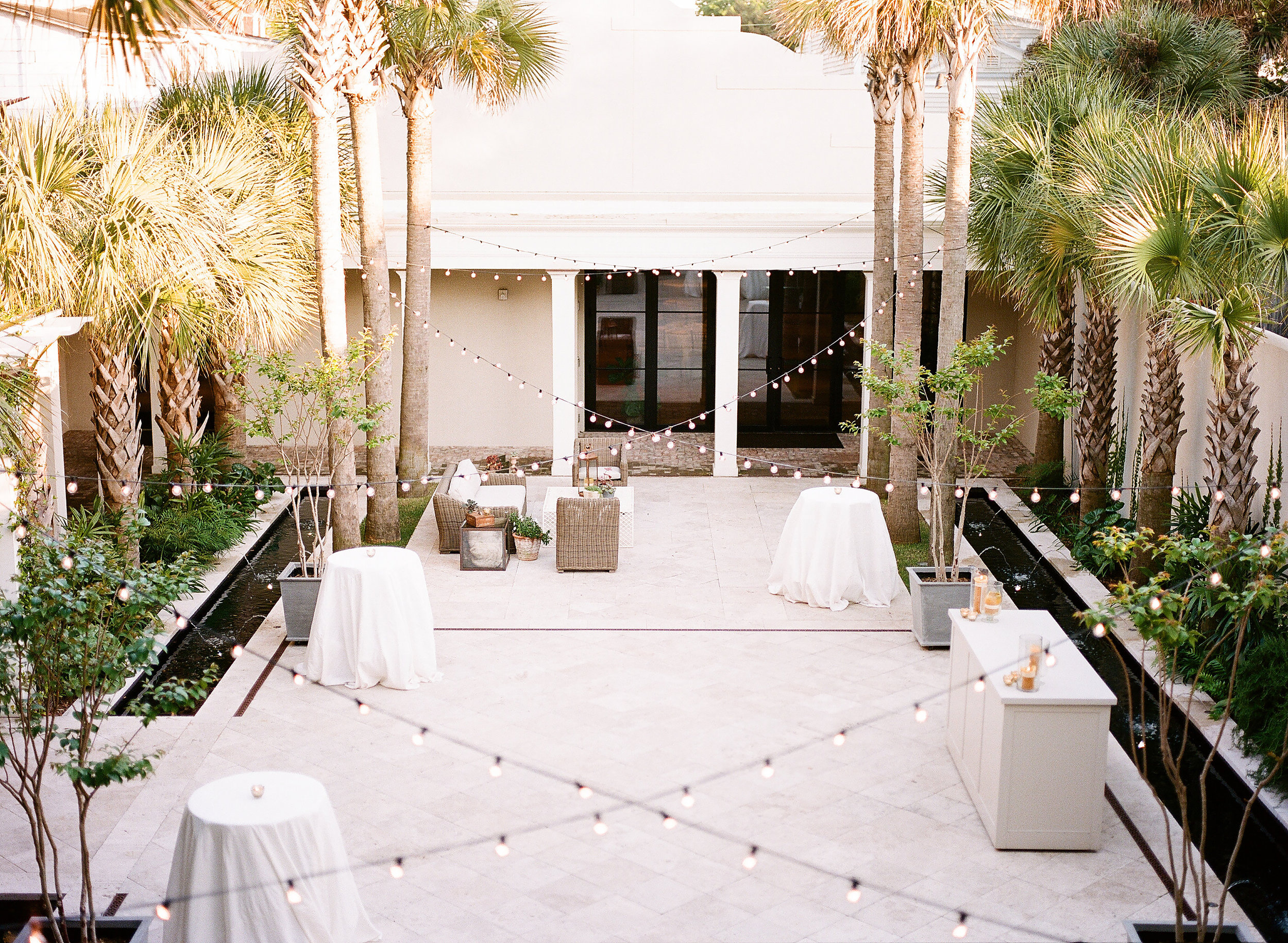 Photography by Henry Photographs ||Planning by Toast of the Coast