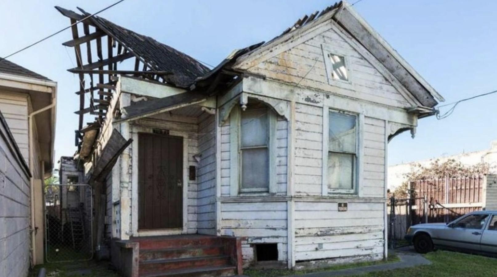 KSBW | Mar 2018 | Uninhabitable Oakland house hits market for $399,000
