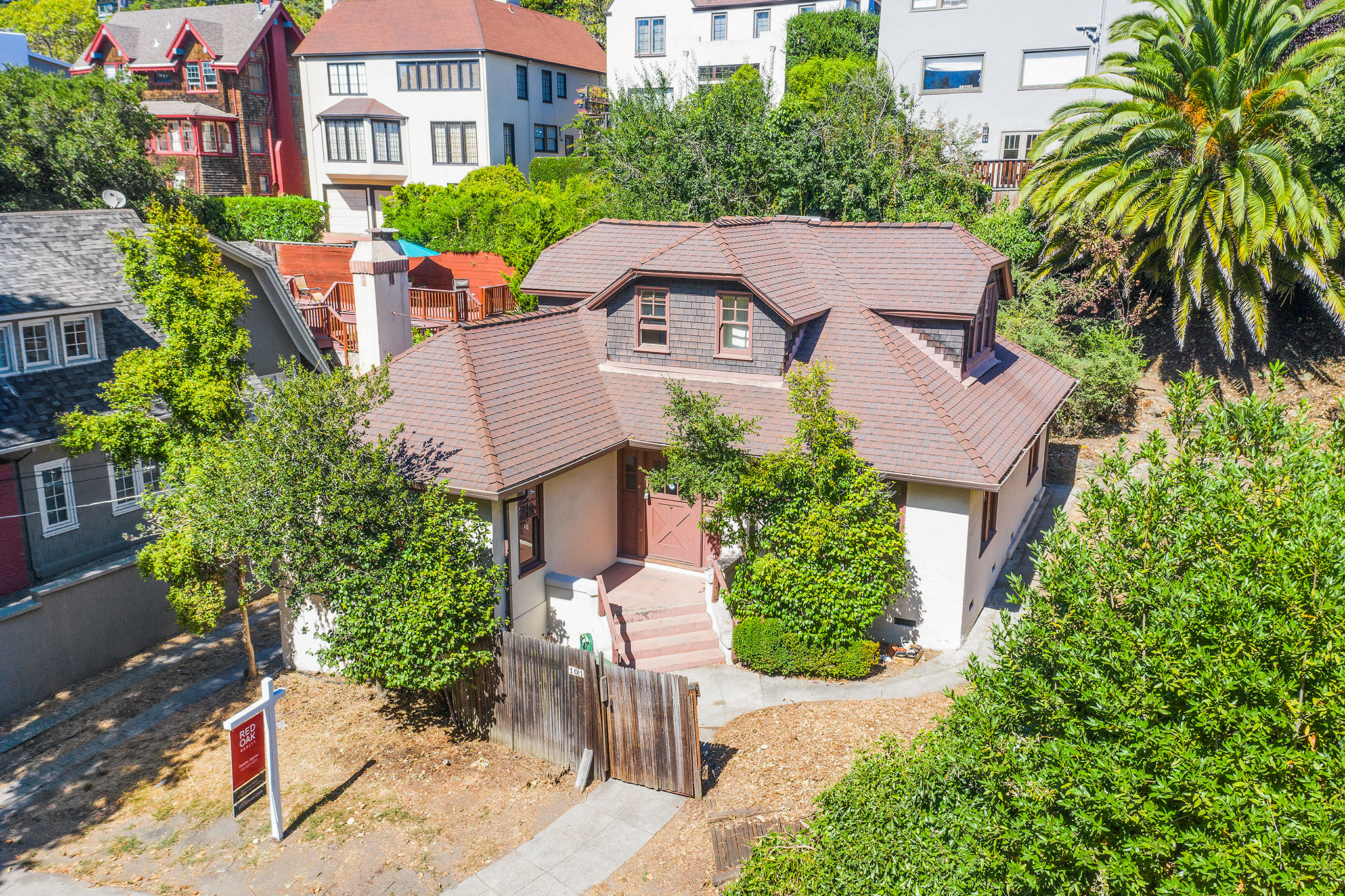 SFGate.com | Aug 2019 | What would you do with this historic Berkeley fixer near the Claremont Resort?