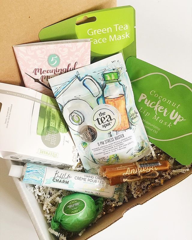 """A gorgeous and uplifting spa box going out today. Aren't you """"green"""" with envy? 😜💚"""
