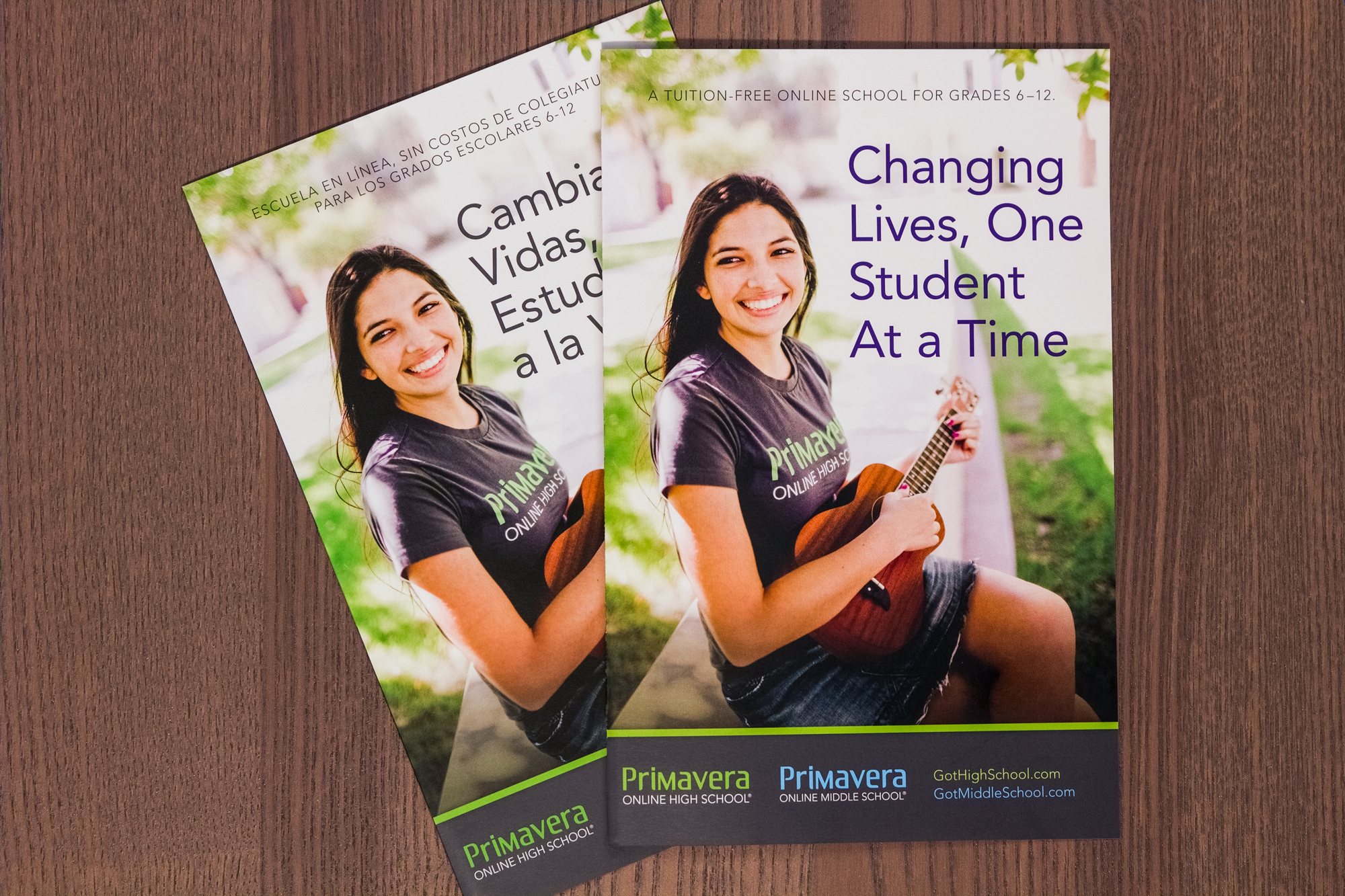 Many of Primavera Online's students live in bilingual families. Thus, we often created bilingual promotional materials such as this bi-fold brochure.