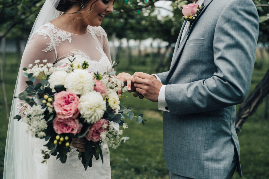 A surprise wedding band stuns the bride during the first meet