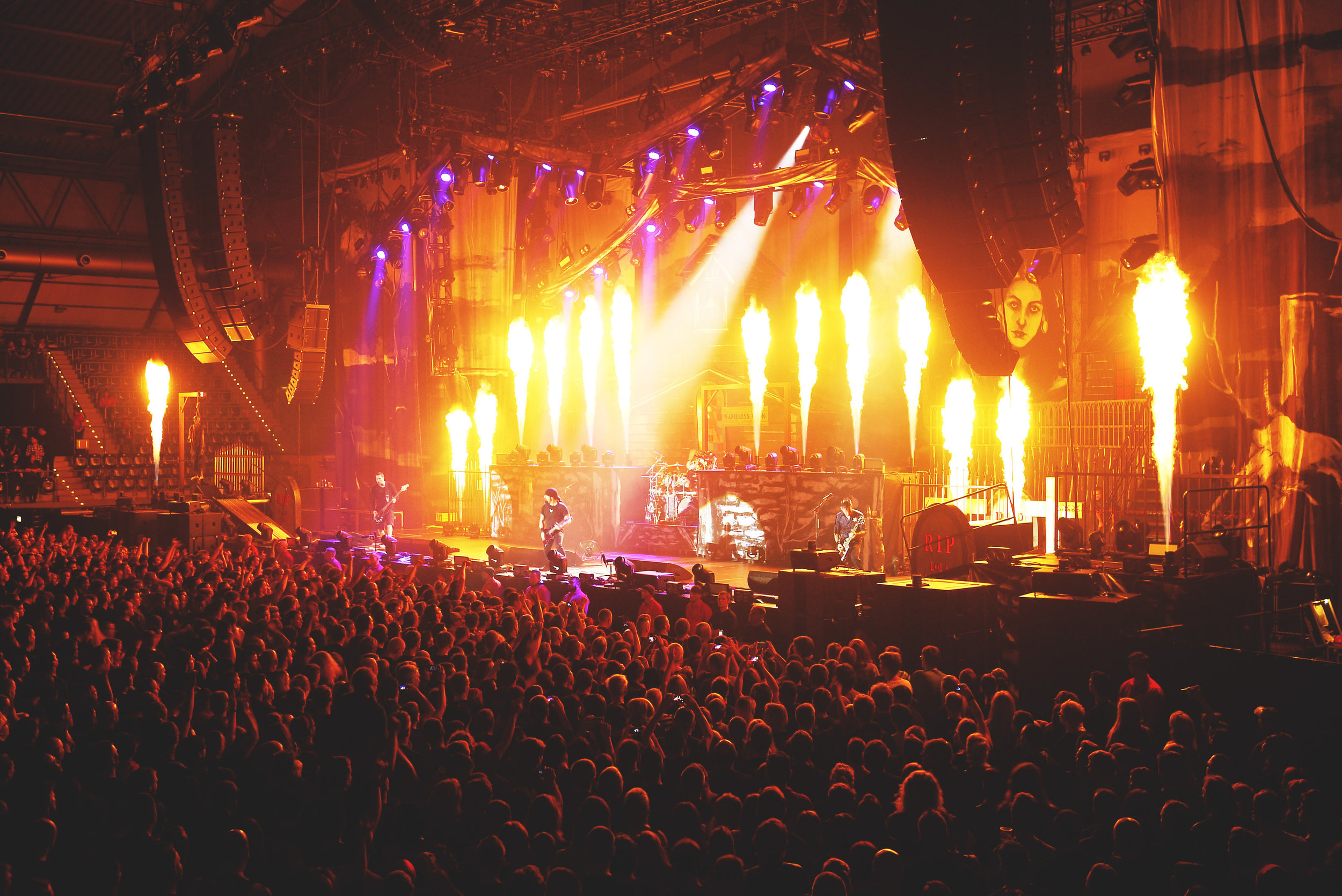 Touring Solutions - Volbeat European Arena Tour 2013 - Stage Pyro Flames.JPG