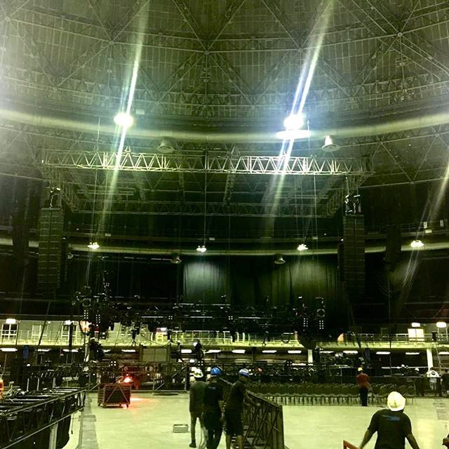 We kick off February 2019 with another Lauryn Hill tour. First stop was at the impressive Ticketpro Dome in Johannesburg, South Africa. A big thank you to everyone on the Mushroom Productions team for their tireless work in helping us produce an excellent show. Next stop Australia!! #touringsolutions #production #laurynhill #ticketprodome #johannesburg #southafrica #mushroomproduction