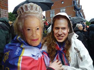 12 Oz East Ender: ERICA SECCOMBE   Revelers at the Queen's Diamond Jubilee, Thames side, Lo ndon, 3 June 2012