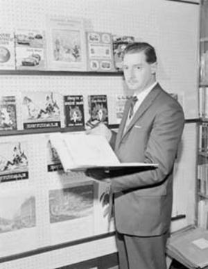 11 TRIBUTE: Sam Ure-Smith: JOANNA MENDELSSOHN   Sam Ure-Smith, 1961; image courtesy National Archives of Australia (A1200, L39472); photo: W. Brindle