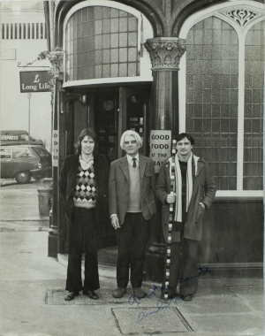 1 Vieux*: Catherine townsend   From left: Studio International assistant editor John McEwen, Peter Townsend and André Cadere (with pole) outside the Bloomsbury pub, c. 1972–73; photo courtesy Catherine Townsend and André Cadere