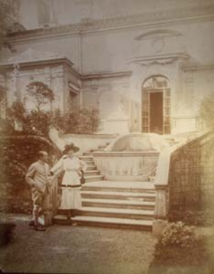 8 From Fragonard to Kennard: René Gimpel - art dealer: DIANA KOSTYRKO   René Albert and Florence in the grounds of rue Spontini, Paris, ca 1916 (Gimpel family archives)