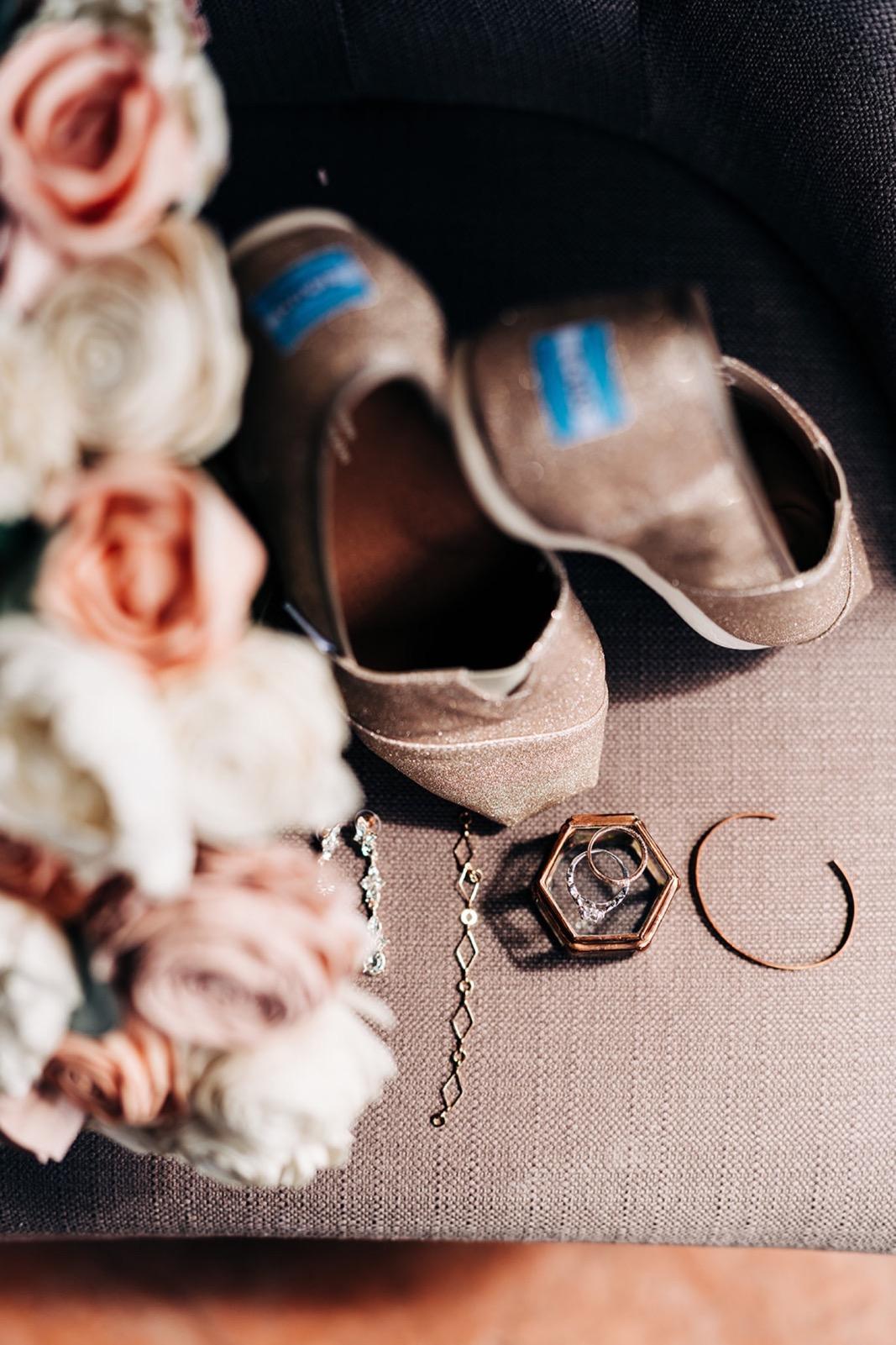 007_falissa_heather_wedding-20.jpg