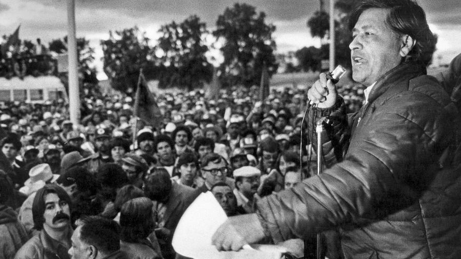 Credit: February 2, 1979: Cesar Chavez speaking at a United Farm Workers rally in the Imperial Valley. (Steve Fontanini/Los Angeles Times)