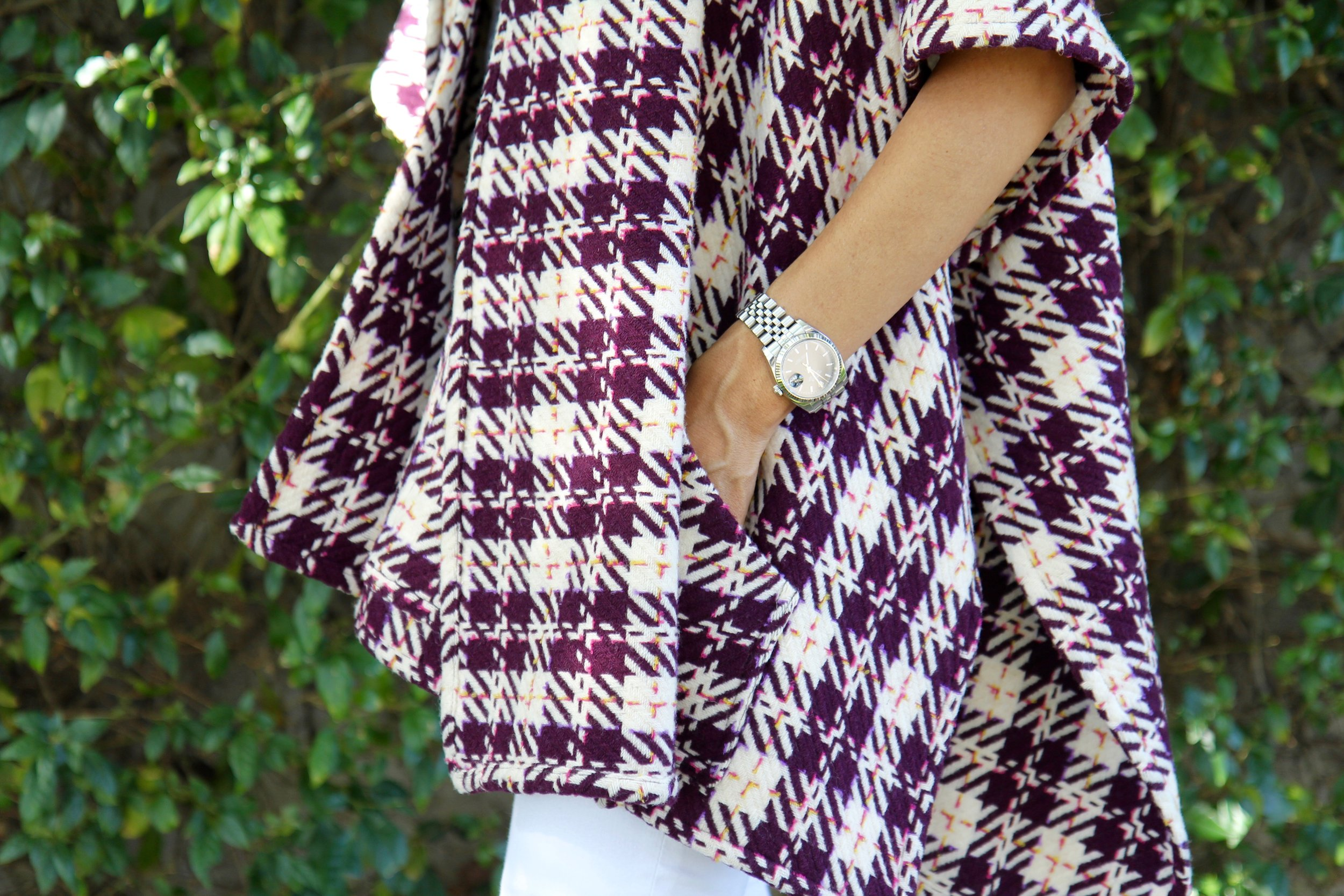 Squares are a common pattern in Fernandez's designs. (Hermosa Journal)