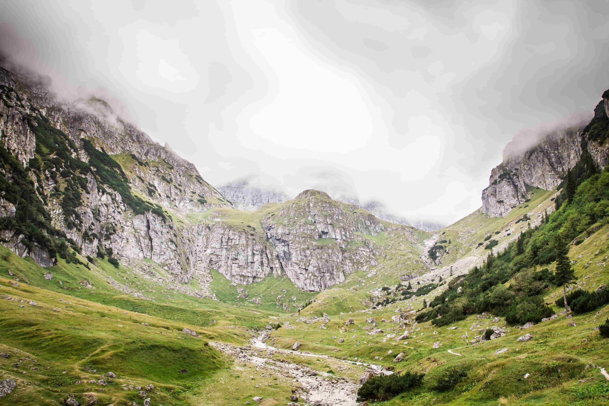mountains-1284696.jpg