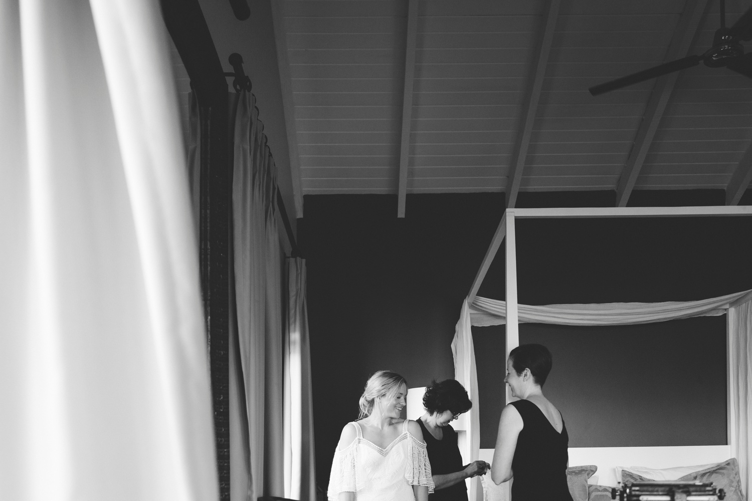 charlie_ray_photography_runaway_romance_elopement_emily_moon_plett_simple_boho_wedding_south_africa_bohemium_0026.jpg