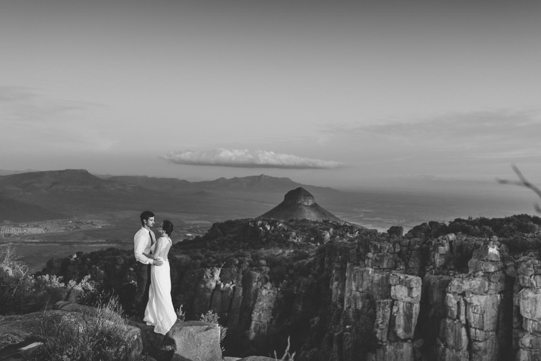 intmate-elopement-eastern-cape-south-african-wedding-photographer-valley-karoo-graaf-rienet62.jpg