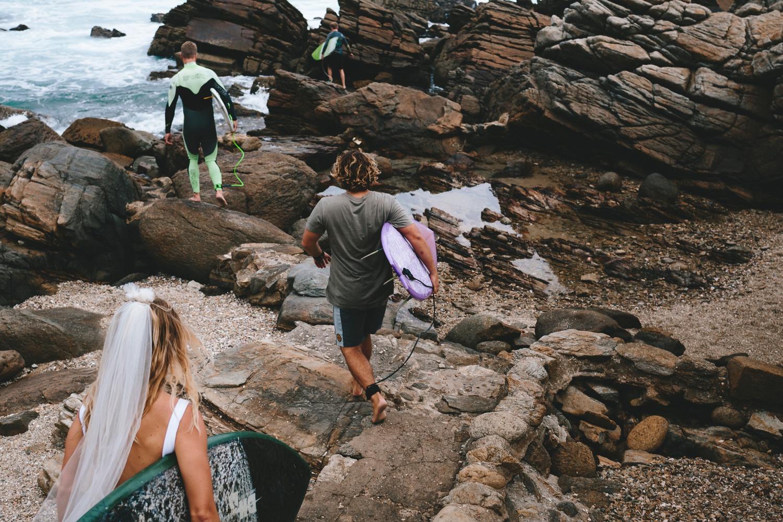 Hannah-Brad-wilderness-wedding-west-coast-victoria-vic-bay-backpackers-surfer-surf_0557.jpg
