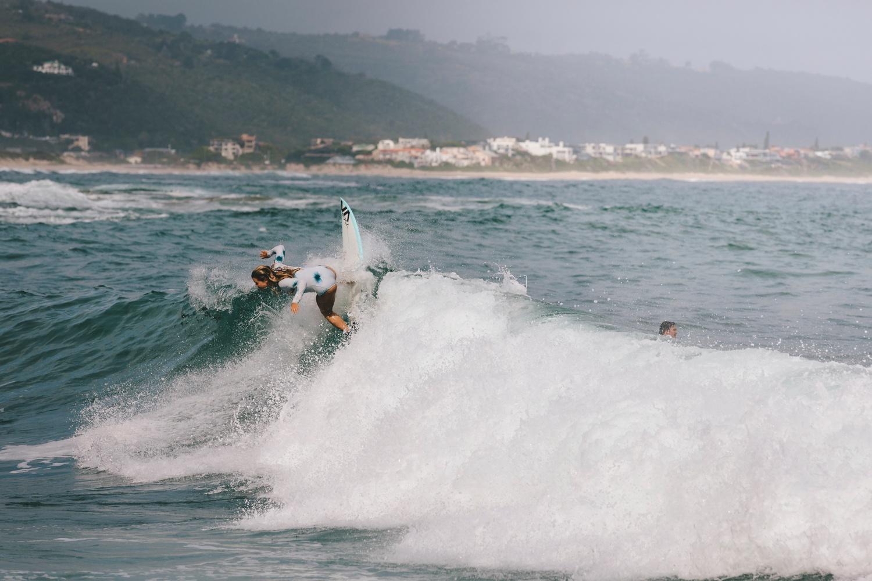 Hannah-Brad-wilderness-wedding-west-coast-victoria-vic-bay-backpackers-surfer-surf_0563.jpg