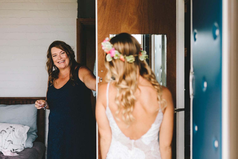 Hannah-Brad-wilderness-wedding-west-coast-victoria-vic-bay-backpackers-surfer-surf_0594.jpg