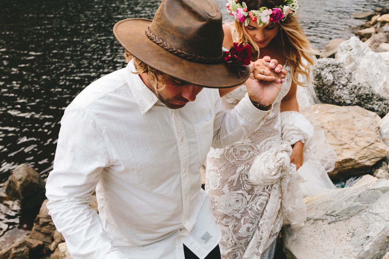 Hannah-Brad-wilderness-wedding-west-coast-victoria-vic-bay-backpackers-surfer-surf_0655.jpg