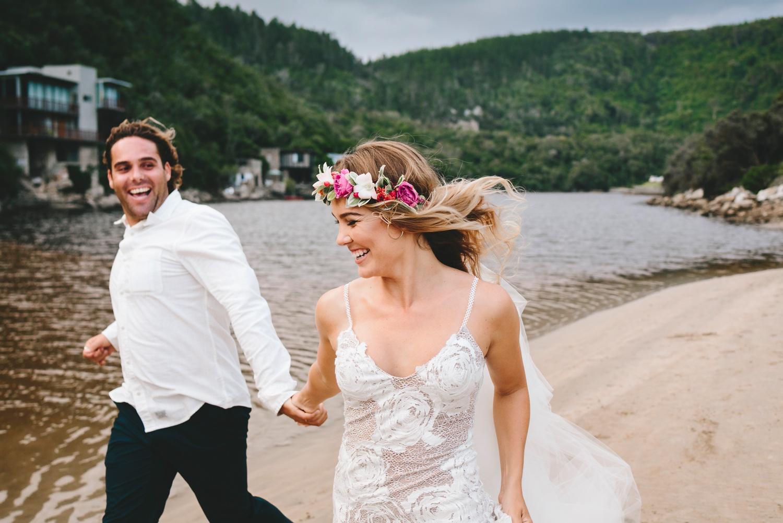 Hannah-Brad-wilderness-wedding-west-coast-victoria-vic-bay-backpackers-surfer-surf_0657.jpg