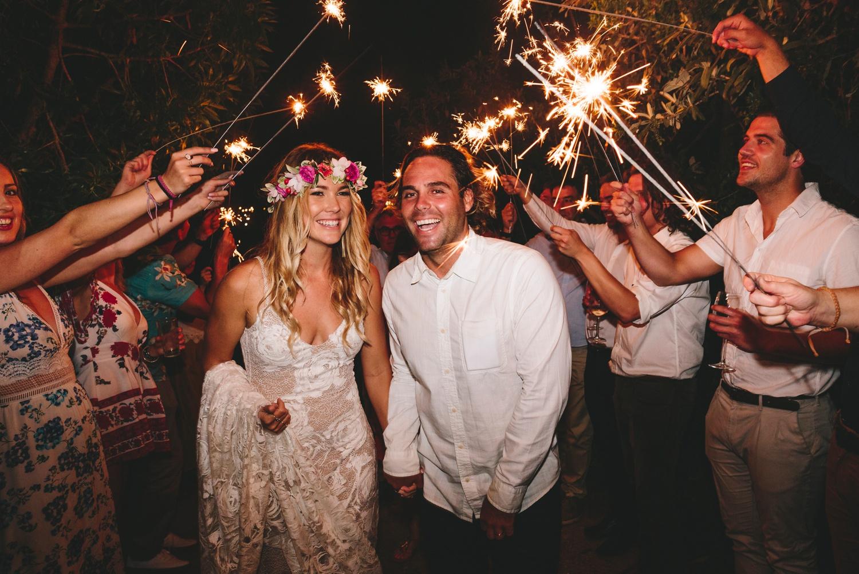 Hannah-Brad-wilderness-wedding-west-coast-victoria-vic-bay-backpackers-surfer-surf_0703.jpg