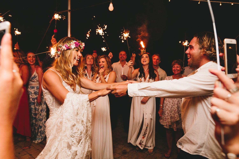Hannah-Brad-wilderness-wedding-west-coast-victoria-vic-bay-backpackers-surfer-surf_0705.jpg