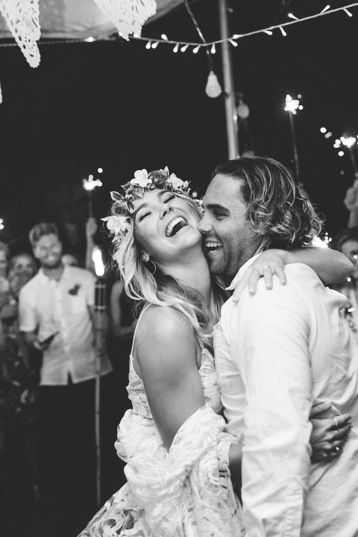 Hannah-Brad-wilderness-wedding-west-coast-victoria-vic-bay-backpackers-surfer-surf_0707.jpg