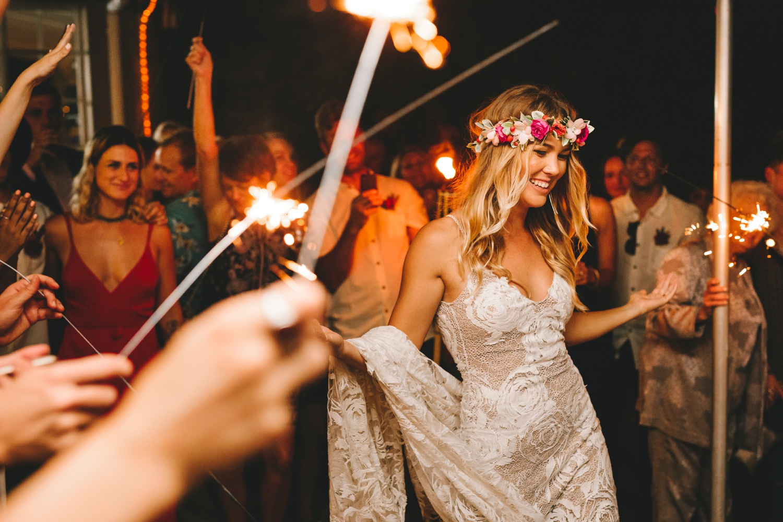 Hannah-Brad-wilderness-wedding-west-coast-victoria-vic-bay-backpackers-surfer-surf_0709.jpg