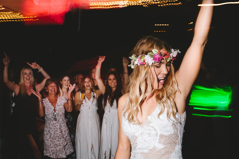 Hannah-Brad-wilderness-wedding-west-coast-victoria-vic-bay-backpackers-surfer-surf_0726.jpg