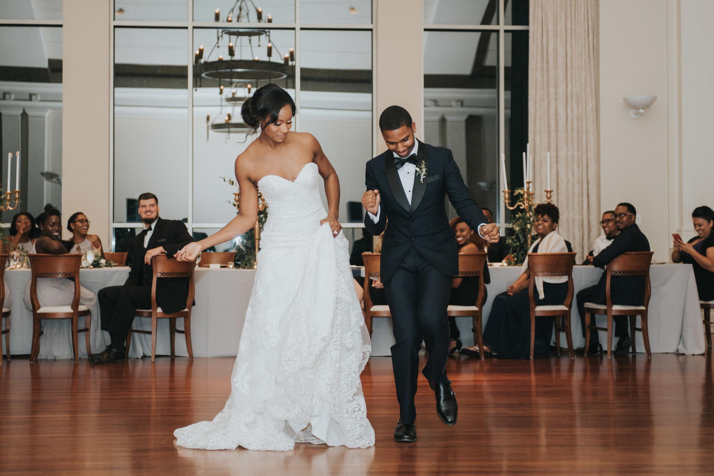 Bride and groom choreographed dance at Atlanta History Center