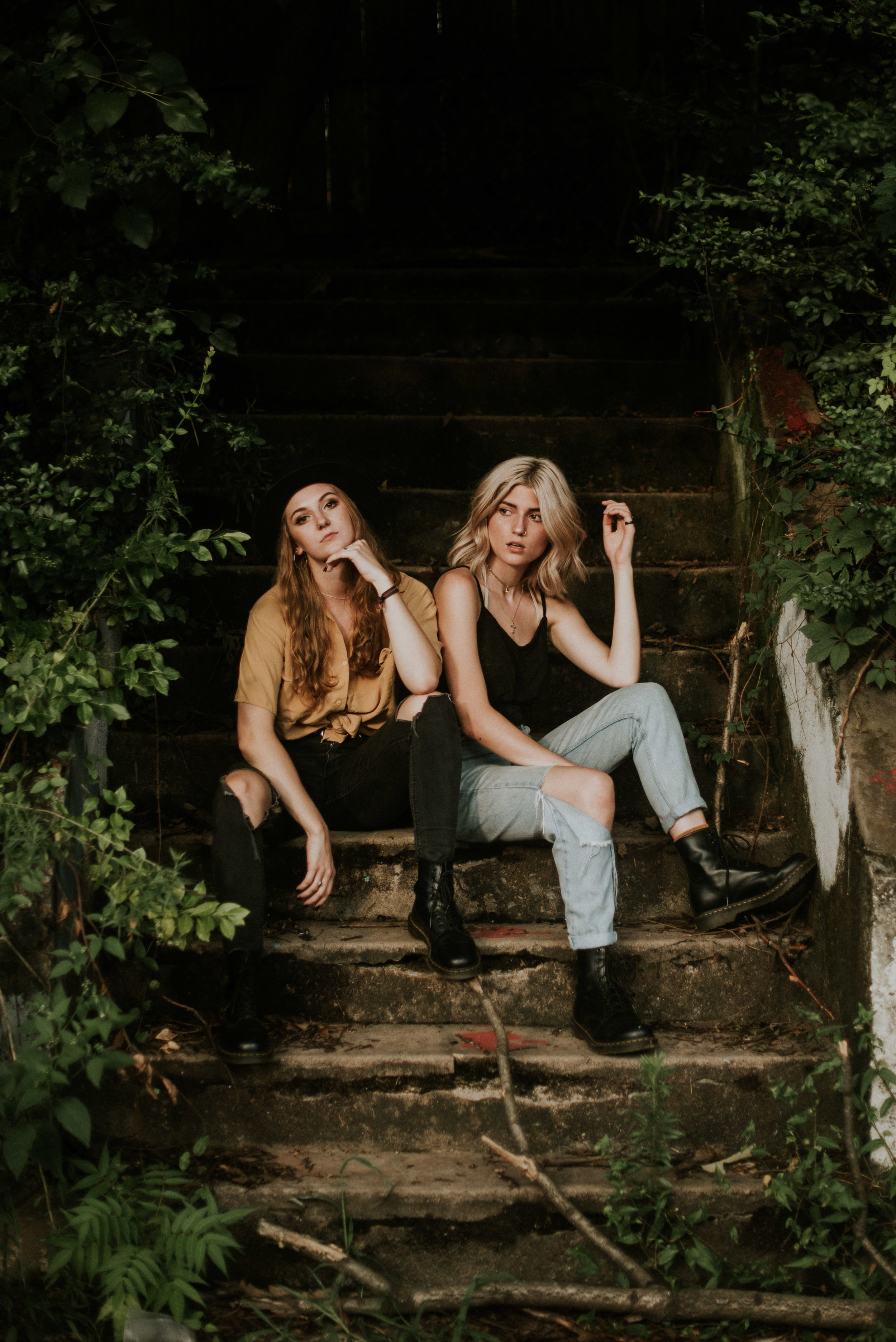 two models sitting on stairs at atlanta styled session krog stret