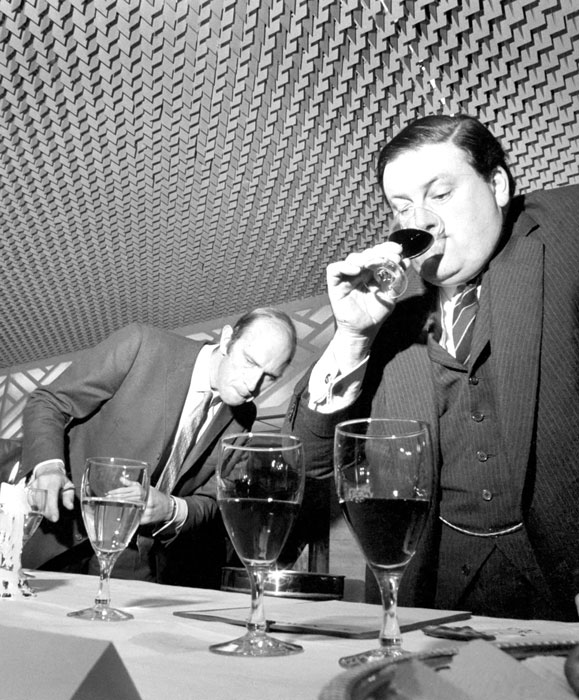 the-wine-taster-of-the-year-finals-took-place-today-at-the-savoy-hotel-B55JBC.jpg