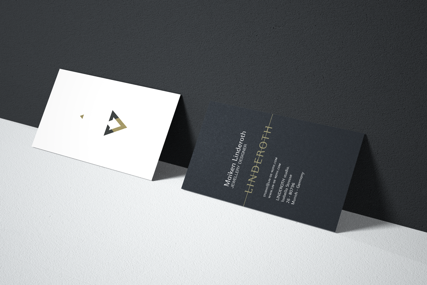 Business card design for Linderoth Jewellery.